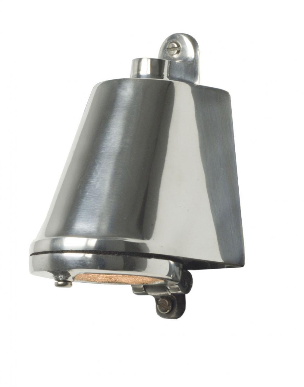 Mast exterior wall light